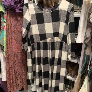 Dresses & Skirts - Boutique high low dress